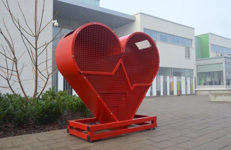 szkola ATUT WIS Liecum Miedzynarodowe Wroclaw serce na nakretki